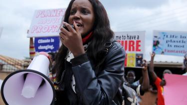 Den ugandiske klimaaktivist Vanessa Nakate blev skåret ud af fotos af unge klimaaktivister under World Economic Forum i Davos i 2020. Det affødte et ramaskrig, for hvorfor skulle Fridays for Future fremstilles som en bevægelse med kun hvide frontfigurer?