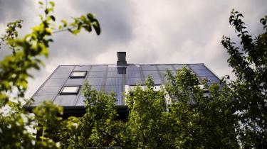 Klimarådet vil udbygge solenergien til det femdobbelte og fordoble vindmøllekapaciteten, alt sammen inden 2030. På papiret vil det give en overflod af energi, men man er tilbøjelig til at glemme, hvor upålidelige og variable disse to energikilder er, skriver civilingeniør og forfatter Søren Hansen i dette debatindlæg.