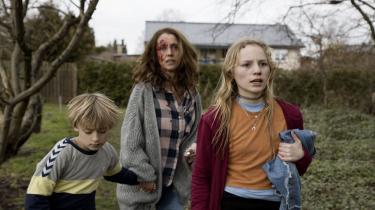 »'Ulven kommer' var et godt forsøg på at lave en serie, der både var spændende, og som talte ind i en aktuel samfundsproblematik på en måde, som TV 2 og Netflix aldrig ville have gjort,« siger Jacob Ludvigsen, der er film- og tv-redaktør på Soundvenue.
