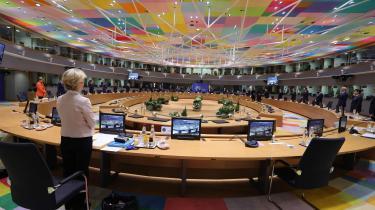 Det er vanskeligt at overdrive triumfen. Vanskeligt at overdrive, hvor succesfuldt de seneste ni måneder har været for Europas politiske fællesskab. For EU. En epoke i EU's moderne historie, som kulminerede klokken syv torsdag aften i Bruxelles.