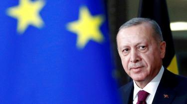 Den amerikanske topdiplomat James Jeffrey har ofte forhandlet med Tyrkiets præsident Erdogan og skildrer ham som »vanvittig arrogant og uforudsigelig«, men også, når det kommer til stykket, »en rationel aktør«, når han er under pres.