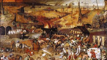 Den hollandske maler Pieter Brueghel den ældres billede 'Dødens triumf' blev malet i en tid præget af utallige epidemier. Illustration er her hentet fra bogen 'Den fjerde rytter'. »I dag får vi et chok over en epidemi, men i fortiden var det noget, man lærte at leve med,« siger bogens ene forfatter, museumsinspektør Jeanette Varberg.