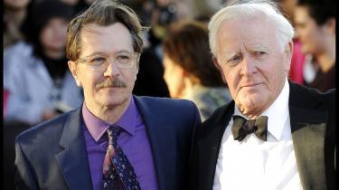 Spionforfatter John le Carré sammen med skuespilleren Gary Oldman, der har spillet med i en af de mange film, der baserer sig på Carrés bøger, nemlig 'Tinker Taylor Soldier Spy'.