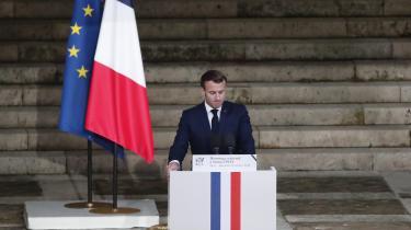Efter den seneste bølge af islamistisk motiverede terrordrab i Frankrig er venstrefløjens forhold til islamismekommet i fokus i tyske, schweiziske og franske medier. Mendebattenskyldes ikke kun terrorepisoderne, snarere knytter denan til det forhold, at Frankrigs præsident, Emmanuel Macron, ikke har brugt de eufemismer, som andre statsledere foretrækker.