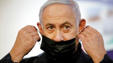 Selv om Benjamin Netanyahu ikke længere er truet af centrum-venstre-koalitionen i Knesset, betyder det ikke, at hans trængsler er forbi. Han imødeser hård konkurrence fra højrefløjen.