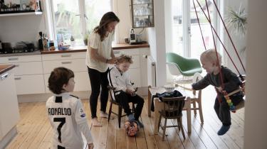 Aldrig har forældre haft mere af den såkaldte 'kvalitetstid' med deres børn. Men meget af den højt besungne kvalitetstid har karakter af kompensation.