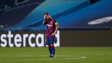 Da Lionel Messi i slutningen af december blev spurgt til præsidentkandidaternes muligheder for at føre Barcelona tilbage til tidligere tiders storhed, lød han noget skeptisk: »De bliver nødt til at hente nye spillere, og det bliver svært, for der er ikke nogen penge,« sagde han. Her ses han efter 8-2-nederlaget til Bayern München i Champions League sidste år.