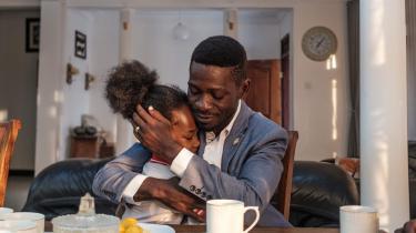 På torsdag er der valg i Uganda, og den populære 38-årige reggaemusiker og politiske aktivist Bobi Wine (billedet) er den stærkeste modkandidat, som den 76-årige præsident Yoweri Museveni, der har siddet på magten siden 1986, nogensinde har stået over for. Alligevel spås Bobi Wine ingen chancer, fordi ingen tror på noget nær et fair valg.