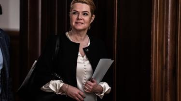 Inger Støjberg (V) ankommer til Venstres gruppemøde torsdag morgen.