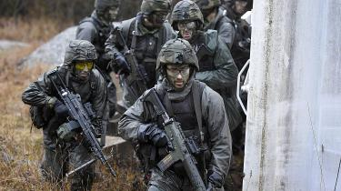 Ifølge sikkerhedsforsker Robert Dalsjö beror Sveriges forsvarsoprustning og tilnærmelser til NATO på Ruslands militære manøvrer. Især efter 2014.