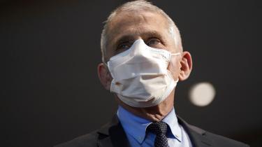 Da Anthony Fauci, direktør for USA's Nationale Institut for Allergier og Smitsomme Sygdomme, torsdag formiddag talte til bestyrelsen i Verdenssundhedsorganisationen (WHO), var det i hjertevarme vendinger, der åbenlyst skulle vise, at der nu tages hul på et nyt kapitel efter Trump-administrationens fjendtlige holdning over for den globale sundhedsorganisation.