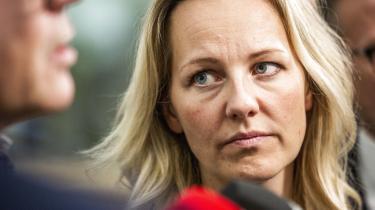 »Frem for at Ida Auken skulle evne at skubbe Socialdemokratiet i en mere bæredygtig retning, er det langt mere sandsynligt, at hun selv vil blive tvunget til at skulle forsvare partiet i nogle af de sager, hvor hun helt indlysende er uenig, ikke mindst strammerkursen i udlændingepolitikken.« skriver Lars Trier Mogensen.