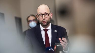Med endnu en udskydelse af klimaaftalen ønsker den nye landsbrugsminister Rasmus Prehn 'en ny proces'.