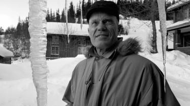 Tarjei Vesaas ved sit hjem ved Midtbø i Vinje, Telemark. Han modtog i 1964 Nordisk Råds Litteraturpris for romanen Is-slottet.