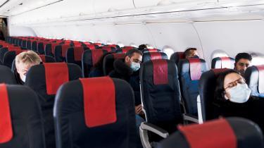 Flytrafikken blev mere end halveret i 2020 som følge af COVID-19, viser tal fra Eurocontrol, der er den europæiske organisation for luftfartens sikkerhed.