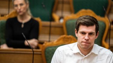 Nu er der igen forhandlinger om en indfødsretsaftale, og med indfødsretsordfører Morten Dahlins (V) ord er det »forkert«, at man ikke »tryktester« ansøgernes påstand om at respektere danske værdier.