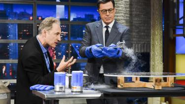 Brian Greene som gæst hos Stephen Colbert i 'The Late Night Show'.