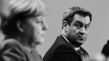 Markus Söder ligner en oplagt arvtager til Merkel. Men han skal overbevise ikke blot sit eget CSU, men også storesøsteren CDU – og så har bayrerne en skidt historik som kanslerkandidater.