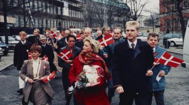 Den første triumf: Dansk Folkeparti markerer med Pia Kjærsgaard og Kristian Thulesen Dahl i spidsen i 1995, at partiet har samlet underskrifter nok til at blive opstillingsberettiget.