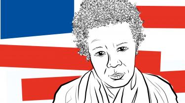 Den amerikanske digter Claudia Rankine fortæller i denne langsomme samtale med Rune Lykkeberg om, hvordan man skaber fælles verdener gennem møder med fremmede, hvorfor statuer skulle rives ned i USA, og hvorfor akademiske begreber om racisme og hvide privilegier kan stå i vejen for møder med andre mennesker