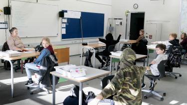 Da skolerne genåbnede efter forårets nedlukning i april sidste år, blev 5.-klasserne her instrueret i nye forholdsregler i klasselokalet.