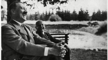 I bogen 'Hitler's First Hundred Days' spoler forfatteren tiden tilbage for at forsøge at forstå, hvordan Adolf Hitler kunne overtage magten i 1930'ernes Tyskland med de katastrofale følger, det medførte.