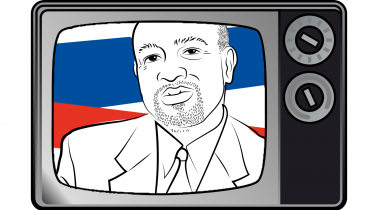 I serien 'Langsomme samtaler om verdenssituationen' interviewer chefredaktør Rune Lykkeberg Glenn Loury, der i 1982 blev berømt som den første sorte professor i økonomi på Harvard, om raceproblemerne i USA og hvorfor man skal tro det på bedste i USA, hvis man vil skabe virkelige forandringer. Se med her