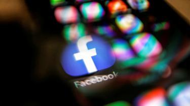 »Tech-virksomheder har haft helt frie rammer, men tanken om at regulere industrien begynder så småt at blive normaliseret, hvilket i sig selv er et stort skridt,« siger professor i kommunikation og digitale forandringer Mikkel Flyverbom.