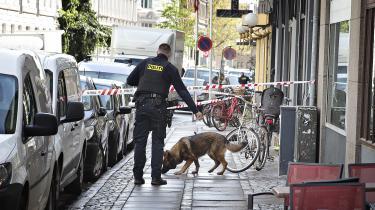 39-årige Martin var direktør i et elektrikerfirma med økonomiske forbindelser til flere af de centrale firmaer i det, der er blevet kaldt Danmarkshistoriens mest omfattende svindelsag. Gerningsmændene havde ifølge politiet helt styr på, hvor Martin befandt sig, da han blev dræbt på Vesterbro i København i 2019.