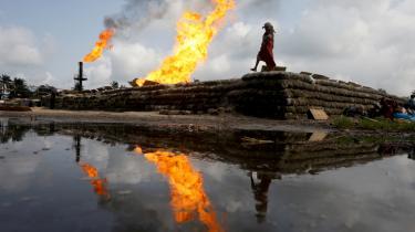 Lande som Angola, Aserbajdsjan og Nigeria (billedet) ventes at blive kastet ud i destabiliserende konflikter, når efterspørgslen på olie falder.