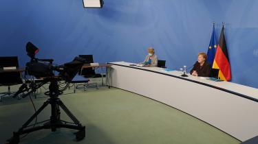 Angela Merkels stjerne blegner. Ifølge en meningsmåling fra Civey i sidste uge har 45 procent af tyskerne »slet ingen eller kun ringe tillid« til, at Merkels regering kan tackle udfordringerne under pandemien.