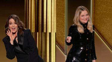 Værterne ved årets prisshow, Tina Fey og Amy Poehler, gik i kødet på organisationen bag Golden Globes, The Hollywood Foreign Press Association, for ikke at have nogle sorte medlemmer.
