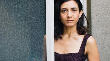 Der er flere nylige eksempler på kvindelige hovedpersoner i selvdestruktiv jagt på seksualitet og kærlighed, flere af dem med et anstrengt forhold til deres krop. Samme mønster tegner sig for Ottessa Moshfeghs 'Eileen'
