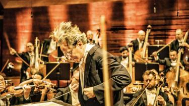 Efter tre måneders coronanedlukning var chefdirigent Fabio Luisi og DR SymfoniOrkestret torsdag tilbage i Koncerthuset – dog uden publikum.