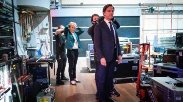 Den liberalkonservative statsminister Mark Rutte er favorit til at genvinde valget, selv om han har solgt sig selv som 'den kompetente leder', samtidig med at det land, han leder, har håndteret test, masker og vacciner elendigt.