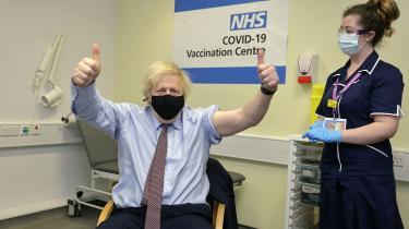 Lige siden han var borgmester i London, har Boris Johnson leget med tanken om at tilbyde frit lejde til de titusindvis af illegale immigranter, som skyer al myndighedskontakt, og som nu heller ikke tør beskytte sig selv og samfundet i bredere forstand ved at lade sig vaccinere.