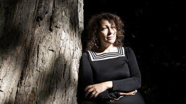 Elisabeth Åsbrinks jødiske slægtsroman er en smuk og personlig bog om at redde en historie fra glemslen.