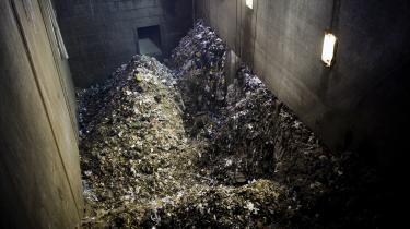 Ideen om at liberalisere den danske affaldssektor går mange år tilbage. Denbegyndte med Anders Fogh Rasmussens minimalstatskampskrift, har bølget frem og tilbage under skiftende regeringer, og denne uge kan den ende med at blive til virkelighed.