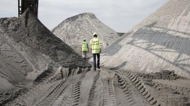 Hvor forbruget af fossil energi har været faldende over en årrække, har forbruget af sand, grus, sten og biomasse til gengæld været stigende.