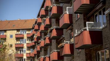 Prisstigningerne på boligmarkedet i København er ekstreme og formentlig corona-betingede. Men vent blot, snart hører du igen om en bekendt, der køber en ny lejlighed uden at flytte ind i den og sælger den to år senere med en halv million lige ned i foret. Når det sker, er boligmarkedet glohedt.