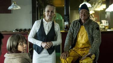 Bodil Jørgensen som Sonja og Lars Lilholt som Claus i 'Minkavlerne II'.