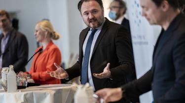 Aftalen om etableringen af en energiø i Nordsøen blev offentliggjort på et pressemøde i Eigtveds Pakhus den 4. februar. Nu vurderer energiøkonomen Jan Bentzen, at det fuldt udbyggede projekt risikerer at ende i et minus på hele 48-77 mia. kr.
