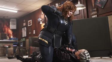 Melissa McCarthy giver den gas i rollen som havnearbejderen Lydia, der i 'Thunder Force' får superkræfter og begynder at bekæmpe superskurke.