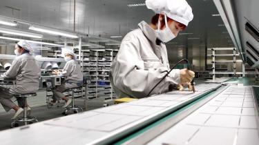 USA har nu indset, at Kina eksporterer mere højteknologi end plasticlegetøj – og også eksporterer mere konkret magt, end det nogensinde har importeret demokrati og menneskerettigheder, skriver forfatter Richard Swartz i denne klumme.