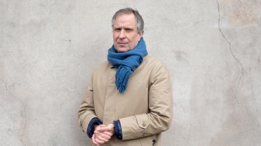 Den 57-årige Lars Bent Petersen er den anden udøvende kunstner i træk, der indtager rektorkontoret på Det Kongelige Danske Kunstakademi. Han kommer fra en stilling på Det Fynske Kunstakademi i Odense, men hvordan han klarede jobbet der, er der delte meninger om.