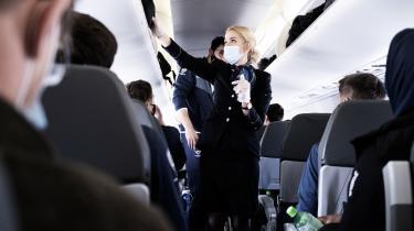 Flyselskaber må ikke medtage passagerer uden en ny negativ coronatest, lød det fra transportministeren i januar, der truede med fængselsstraf for regelbrydere. Transportministeren erkender nu at have misforstået juraen.