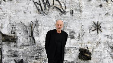Anselm Kiefers metode er at skærme sig, og det lykkes ikke Karl Ove Knausgård at komme rigtig tæt på den tyske kunstner.