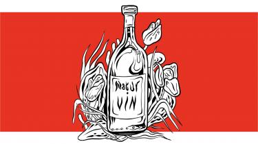 Markedet har ingen ideologi, derfor kan det optage alt. Selv den mest fejlbehæftede naturvin. Og det siger ikke så lidt. Derfor handler naturvin i dag i højere grad om, hvor instagramable etiketterne er, end om det oprør mod kemi og ensartethed, der startede naturvinsbølgen for 40 år siden
