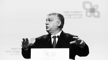 Nomi Claire Lazar skriver, at nutidens politiske ledere forsøger at binde tiden sammen i en cirkel, når de for eksempel udråber en ny stat eller en ny æra og pakker begivenheden ind i en retorik, der handler om national genrejsning. Som eksempel fremhæver hun vedtagelsen af den nye ungarske grundlov, som præsident Viktor Orbán på kreativ vis fik stemt igennem i 2012.