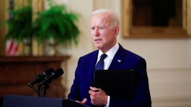 Joe Biden annoncerede torsdag nye sanktioner over for Rusland. Russiske regeringsembedsmænd har efterfølgende udtalt, at sanktionerne vil ødelægge alle chancer for at få et topmøde i stand mellem Biden og Putin.
